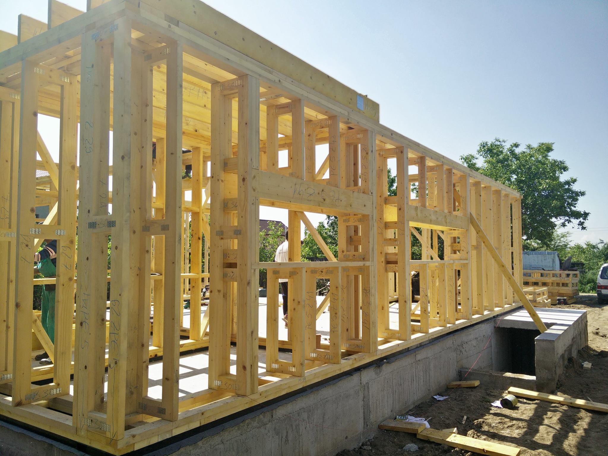 Hidroizolatie fundatie casa din lemn
